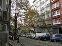 At the corner of Grand Yazur